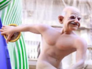 Φωτογραφία για Ο ΓΑΠ έγινε άρμα σε Ισπανικό Καρναβάλι. Δείτε τα άρματα Ομπαμα Μέρκελ, Σαρκοζί