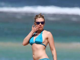 Φωτογραφία για Η Scarlett Johansson με μπικίνι στην παραλία χωρίς ρετούς! [φωτο]