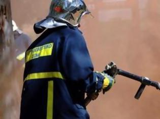 Φωτογραφία για Στις φλόγες μάντρα αυτοκινήτων στην Χαλκίδα