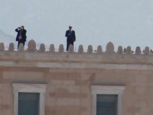 Φωτογραφία για Μετά από 38 χρόνια ξανανέβηκαν αστυνομικοί στην Βουλή