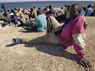 Φωτογραφία για Δεκάδες λαθρομετανάστες έφτασαν με κολύμπι στην Ισπανία..