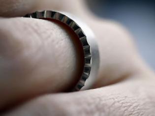 Φωτογραφία για ΔΕΙΤΕl: Ποια η διαφορά ενός παντρεμένου, ελεύθερου και σε σχέση άντρα;