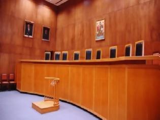 Φωτογραφία για Δικαστήριο ακυρώνει την κατάργηση της μετενέργειας και τις μειώσεις μισθών