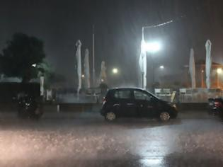 Φωτογραφία για ΣΥΜΒΑΙΝΕΙ ΤΩΡΑ: Πολύ έντονη βροχόπτωση στην Πρέβεζα