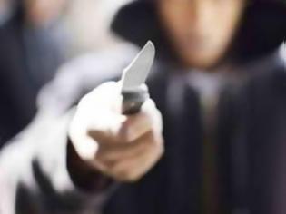 Φωτογραφία για Πάτρα: Μαχαίρωσαν νεαρό κοντά στον Ιερό Ναό του Αγίου Ανδρέα, την ώρα που περπατούσε