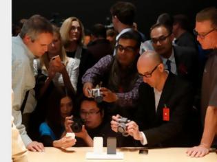 Φωτογραφία για Πάμε στοίχημα ότι στις 5 Οκτωβρίου θα κάνουμε ουρές για το iPhone5;