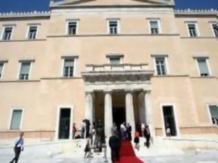 Φωτογραφία για Στουρνάρας: Η κυβέρνηση αποφασισμένη να καταθέσει το πακέτο των μέτρων στη Βουλή