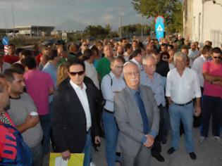 Φωτογραφία για Πάτρα: O πόλεμος των σκουπιδιών - Ανταπάντηση της ΠΟΕ ΟΤΑ στον Δήμαρχο - Νέο μπλόκο εργαζομένων στο Δημοτικό Συμβούλιο