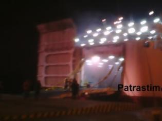 Φωτογραφία για Πάτρα: 40 νταλίκες καίγονται στο ΚΡΗΤΗ ΙΙ