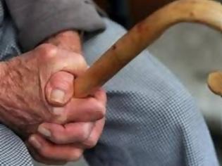 Φωτογραφία για Πάτρα: Στη «φάκα» της ΕΛ.ΑΣ. δύο Ρομά για εξαπατήσεις ηλικιωμένων