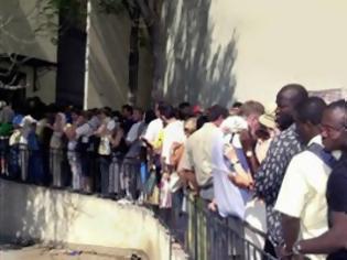 Φωτογραφία για Παράταση αδειών διαμονής σε νόμιμους μετανάστες στην Ελλάδα