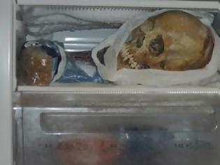Φωτογραφία για Συλλέκτρια οστών με... μακάβρια γούστα