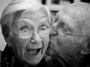 Φωτογραφία για Αν και ο παππούς ήταν πάνω από 80, τον πιάσανε για χρέη προς το δημόσιο!