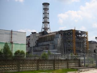 Φωτογραφία για ΛΟΓΩ ΜΕΓΑΛΗΣ ΧΙΟΝΟΠΤΩΣΗΣ Κατέρρευσε τμήμα της στέγης του αντιδραστήρα στο Τσερνόμπιλ