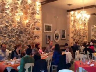 Φωτογραφία για Εστιατόριο Ρήγας: Δώρο το τραπέζι απόψε για δύο ερωτευμένα ζευγάρια!