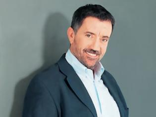 Φωτογραφία για Σπύρος Παπαδόπουλος: «Ο γιος μου είναι λιτοδίαιτος. Του δίνω 50 ευρώ»