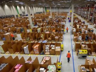 Φωτογραφία για Η Amazon έβαζε νεοναζί να εκφοβίζουν τους υπαλλήλους της