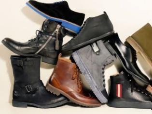 Φωτογραφία για Πάτρα: Οι κάτοικοι της πολυκατοικίας έμειναν χωρίς...παπούτσια!