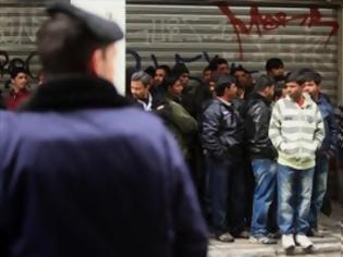 Φωτογραφία για Προσαγωγές και συλλήψεις παράνομων μεταναστών στο κέντρο της Αθήνας