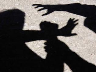 Φωτογραφία για Σέρρες: Συνελήφθη 16χρονος για βιασμό συμμαθήτριάς του