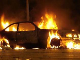 Φωτογραφία για Πυρκαγιά σε αυτοκίνητο στην οδό Πειραιώς στα Χανιά