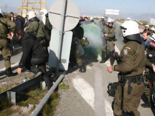 Φωτογραφία για Επεισόδια με τραυματίες μεταξύ αγροτών και αστυνομικών
