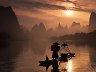 Φωτογραφία για ΥΠΕΡΟΧΕΣ ΕΙΚΟΝΕΣ: Ψαρεύουν με τη βοήθεια πουλιών...