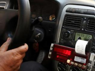 Φωτογραφία για Χειροπέδες σε 27 οδηγούς ταξί με πειραγμένο ταξίμετρο και ταμειακές μηχανές