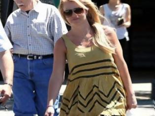 Φωτογραφία για Δες τη Britney Spears χαρωπή νοικοκυρά να κάνει τα ψώνια της!