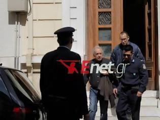 Φωτογραφία για Συνέλαβαν ξανά τον σκηνοθέτη Δημήτρη Κολλάτο