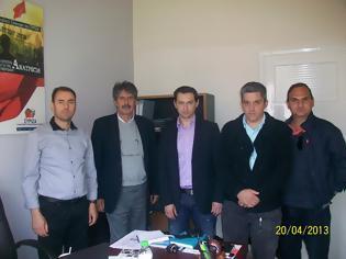 Φωτογραφία για Συνάντηση μελών ΔΣ ΕΣΠΕ ΘEΣΣΑΛΙΑΣ με τον Βουλευτή Λάρισας του ΣΥΡΙΖΑ, κ. Δημήτριο Γελαλή