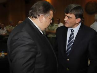 Φωτογραφία για Επανεμφάνιση Βασιλάκου λίγες ώρες πριν από τη δίκη Τσοχατζόπουλου