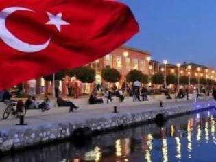 Φωτογραφία για Πήγαν να σηκώσουν τουρκική σημαία στον Φλοίσβο