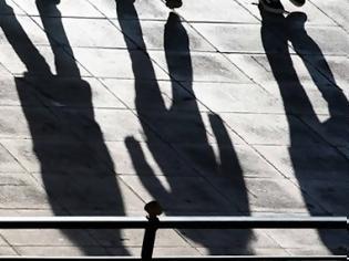 Φωτογραφία για Αιφνιδιαστικοί έλεγχοι του υπ. Εργασίας για την μαύρη εργασία