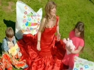 Φωτογραφία για Αυτό είναι το original τραγούδι της Στανίση που 27 χρόνια μετά το έκανε διαφήμιση
