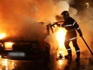 Φωτογραφία για Αυτοκίνητο τυλίχτηκε στις φλόγες στον Περισσό