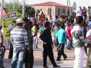 Φωτογραφία για Aπελαύνουν εργάτες που μαχαιρώθηκαν στη Μανωλάδα