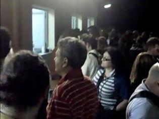 Φωτογραφία για Πάτρα: Η πόλη ξενύχτησε στο πλευρό των εργαζομένων στην ΕΡΤ