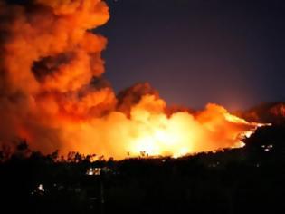 Φωτογραφία για Ρόδος: Συνεχίζεται η μάχη με τις φλόγες
