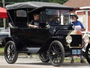 Φωτογραφία για Την πάτησε ένα αυτοκίνητο του... 1915