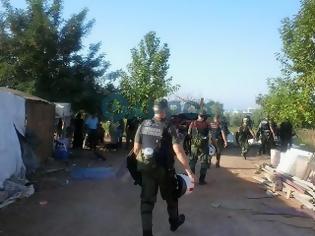 Φωτογραφία για Μεγάλη αστυνομική επιχείρηση σε εξέλιξη στον καταυλισμό τσιγγάνων στα «Παλιάμπελα»