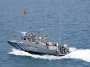 Φωτογραφία για Δύο πτώματα ανασύρθηκαν από το λιμάνι του Πειραιά