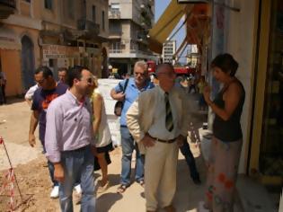 Φωτογραφία για Πάτρα: Προχωρά η πεζοδρόμηση της Γεροκωστοπούλου - Aυτοψία από τον Δήμαρχο