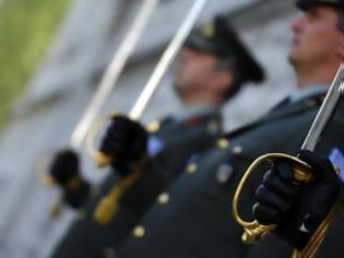 Φωτογραφία για Απολύσεις στην Άμυνα: Βρήκαν τους 350 ποιοι θα είναι οι υπόλοιποι 150