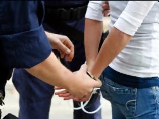Φωτογραφία για Βόλος: Συνελήφθησαν για κλοπή από αυτοκίνητο