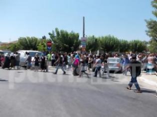 Φωτογραφία για Ηλεία: Σκηνές αρχαίας τραγωδίας στην κηδεία των τριών Ρομά στην Aνδραβίδα