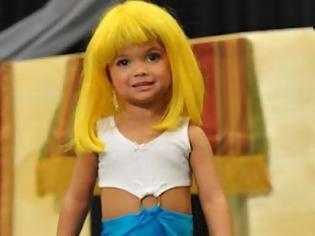 Φωτογραφία για ΣΟΚΑΡΙΣΤΙΚΟ ! 3χρονα κοριτσάκια σε καλλιστεία! (pics)