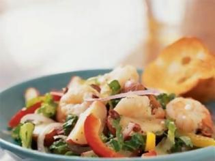 Φωτογραφία για Ζεστή σαλάτα με γαρίδες και πατάτες