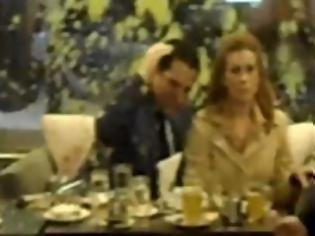Φωτογραφία για Έριξαν γιαούρτια και μουστάρδα σε Άδωνι Γεωργιάδη και Ευγενία Μανωλίδου – ΒΙΝΤΕΟ