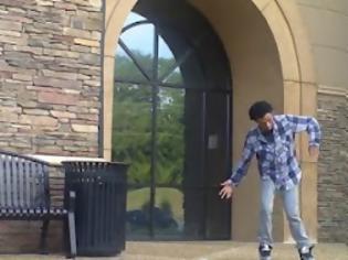 Φωτογραφία για Ίσως ο καλύτερος dubstep χορευτής που έχετε δει ποτέ! [Video]